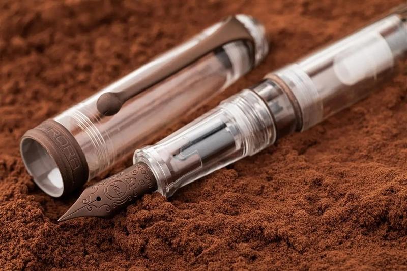 アウロラ 限定生産品 トリロビティ チョッコラート 万年筆
