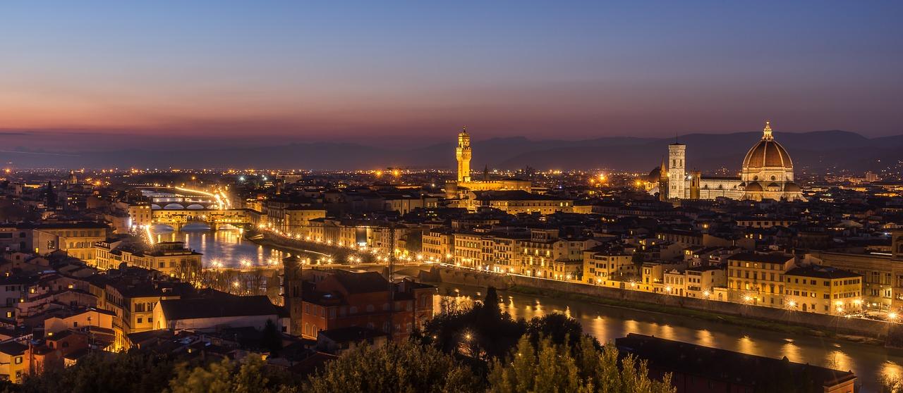 フィレンツェ 夜 風景