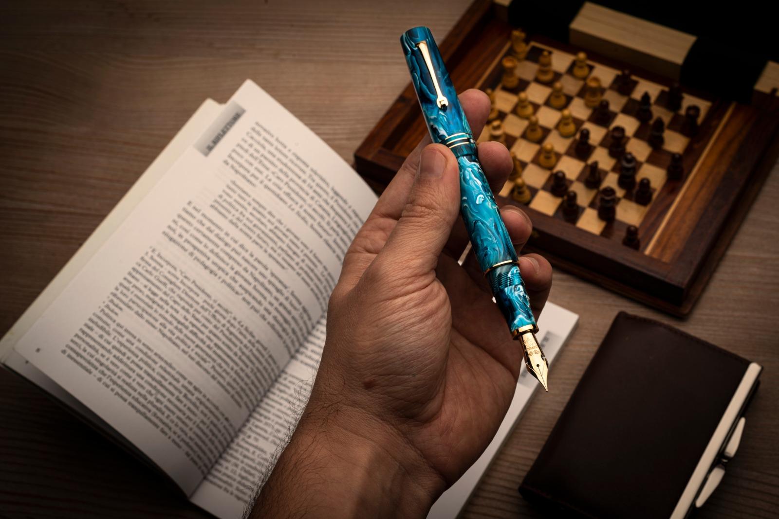 レオナルド 限定生産品 モーメントゼログランデ プライマリーマニュピレーション ブルー ゴールドトリム 万年筆