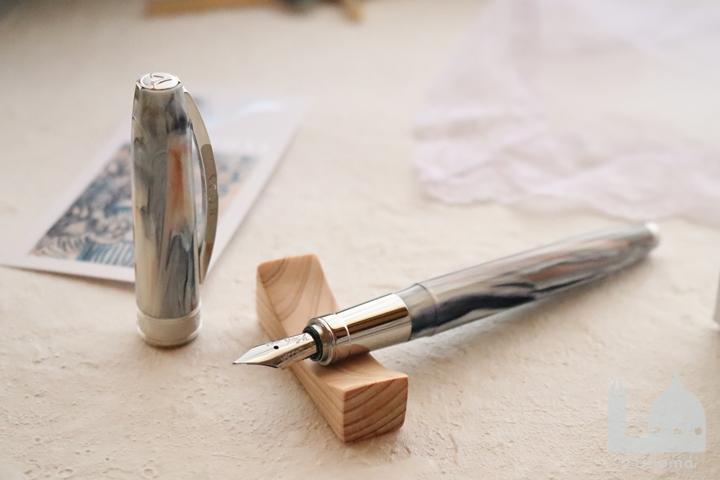 ビスコンティ ヴァン・ゴッホコレクション 農婦のいる古い葡萄畑 万年筆